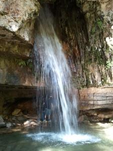 Su stampu e su turrunu. Lo benissimo che esistono cascate molto più imponenti (vedi Le Marmore rimanendo in Italia) ma arrivarci non è così semplice.